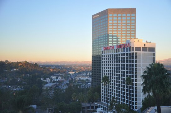 Hilton Los Angeles/Universal City: view from our room - not overlooking the park and no freeway noise.