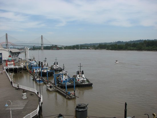 Inn at the Quay: View of the Fraser River