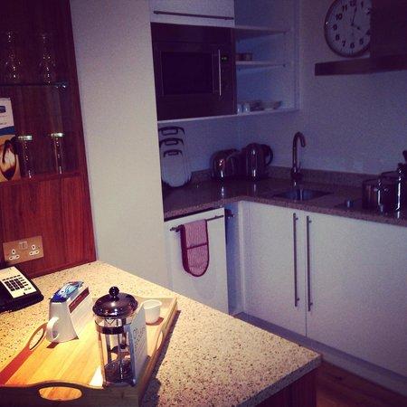 Staybridge Suites Newcastle: The kitchen area