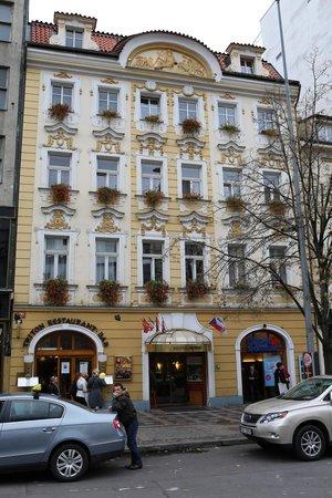 Adria Hotel Prague: The hotel