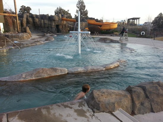 Brasada Ranch : Outdoor pool area.