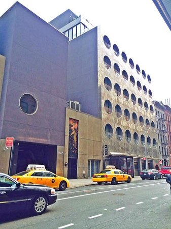 Dream Downtown: Hotel from the street