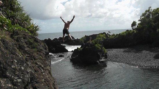 Paia, HI: Billy Jumping again