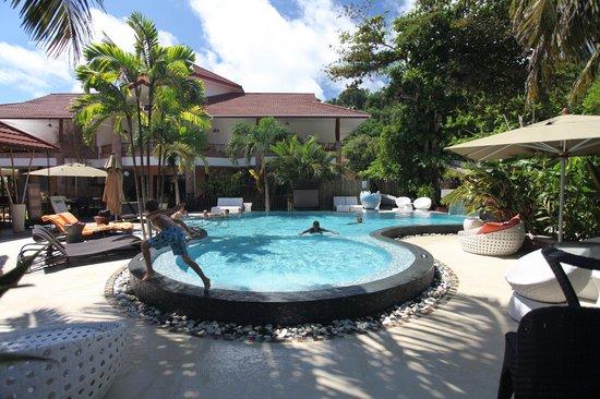 Le Duc de Praslin: Pool