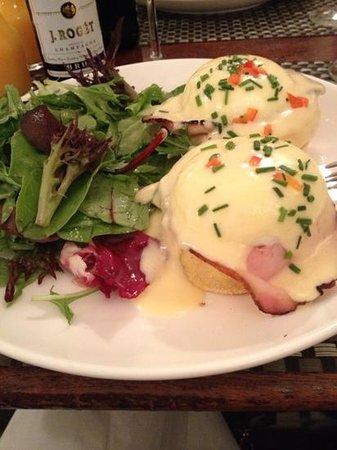 Sarabeth's West : uova alla benedettina
