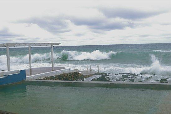 Lands End - Ocean Front Lodge: Ocean water pool on the ocean