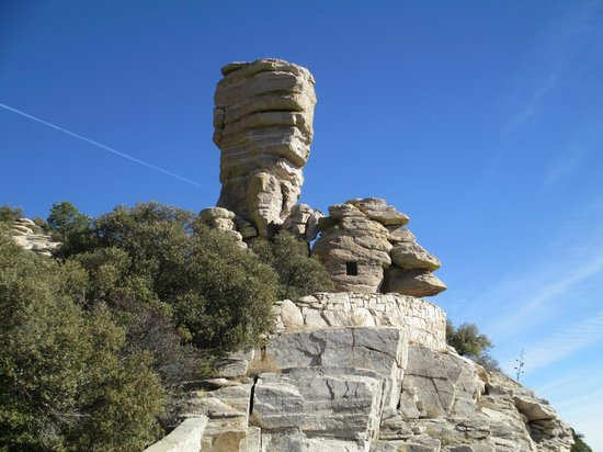 "Mt. Lemmon Scenic Byway : Interesting formation and ""window"" in the rock"
