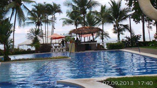 Hotel Club del Mar: pool view