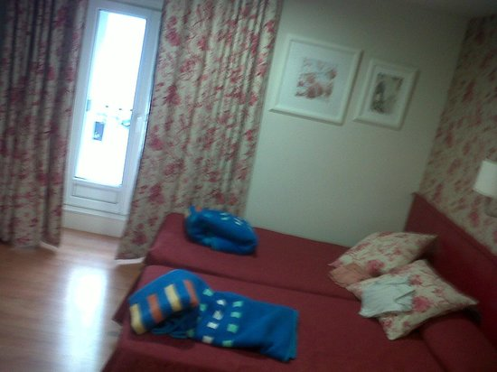Hostal Matheu: room