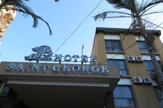 Hotel Saint George: Signage