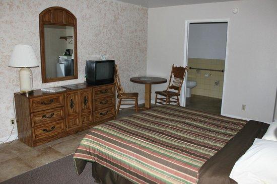 Neu Lodge Motel: Single Queen Size Bed
