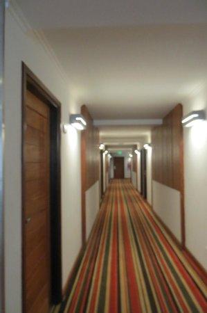 Hotel Saint George: New wing hallway