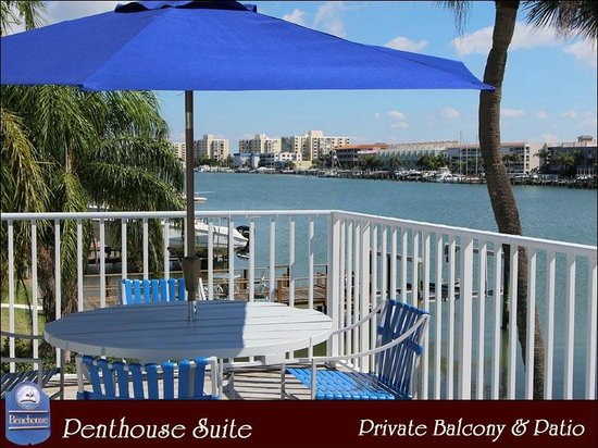 The Beachouse: Penthouse Private Balcony