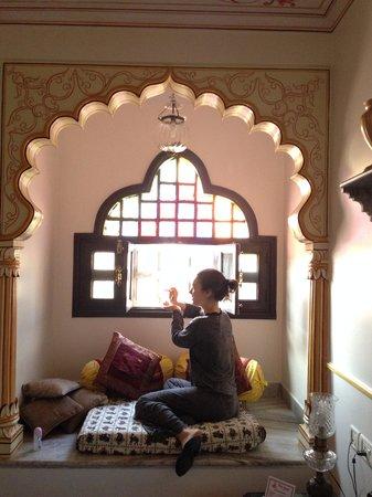 Umaid Bhawan Heritage House Hotel: в номере