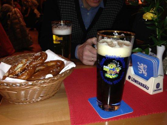 Zum Franziskaner: Пиво Löwenbräu