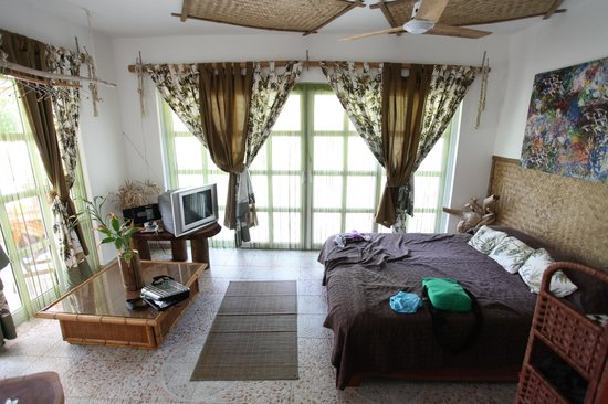 Beau Bamboo Guesthouse: 2nd bedroom or living room
