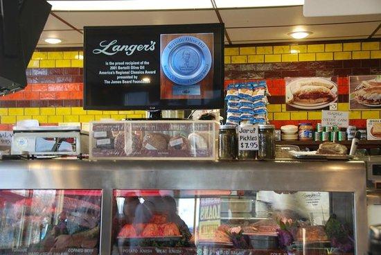 Langer's : Deli Counter