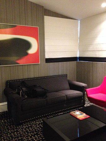 Moderne Hotel: lounge area of the junior suite