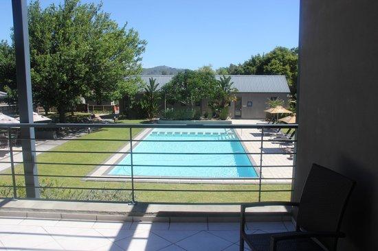 Premier Resort The Moorings (Knysna): pool/view from room