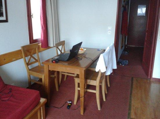 Pierre & Vacances Résidence Les Terrasses d'Azur : Salle à manger