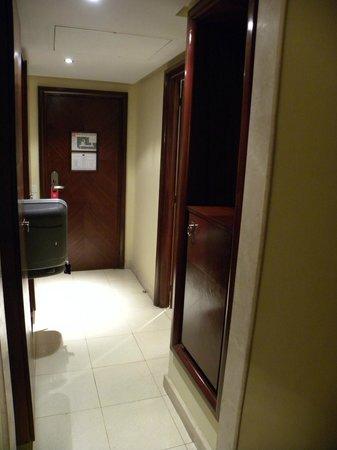 Hotel Rihab: Ingresso stanza