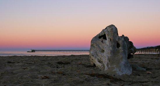 Bacara Resort & Spa: Sunrise at the beach