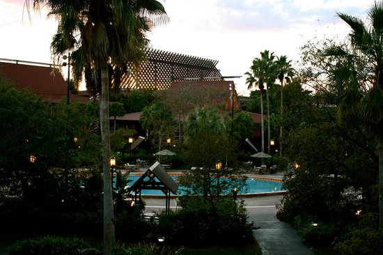 Disney's Polynesian Village Resort : View of GCH/Quiet pool from our room