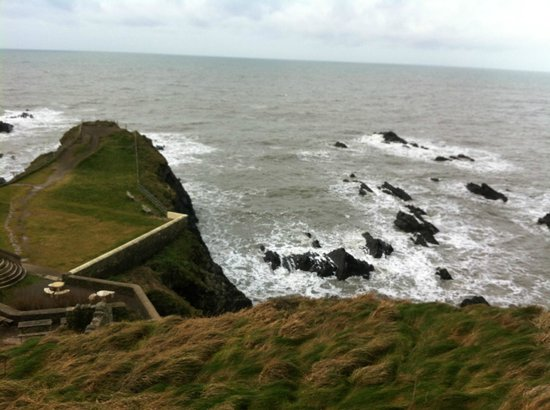 Hartland Quay Hotel: View from the road above the hotel