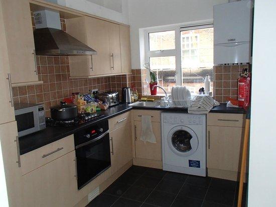 London Apartments Shoreditch: Cuisine