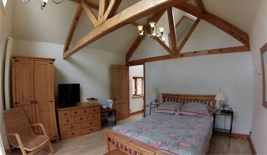 The Chandlery: Worcester Double Suite with Balcony and Beams