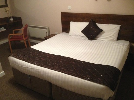 The Bay Horse: Double bed