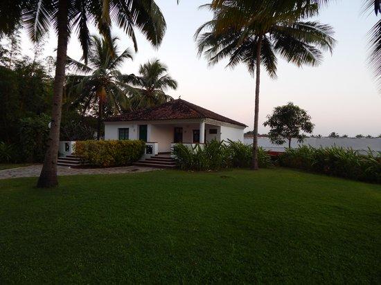Dona Sylvia Beach Resort: Our room.