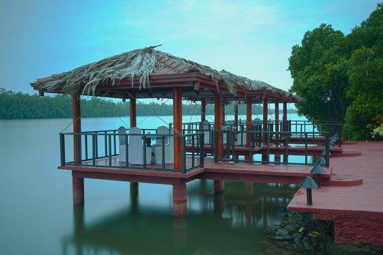 Dalmanuta Gardens - Ayurvedic Resort & Restaurant: Dining place
