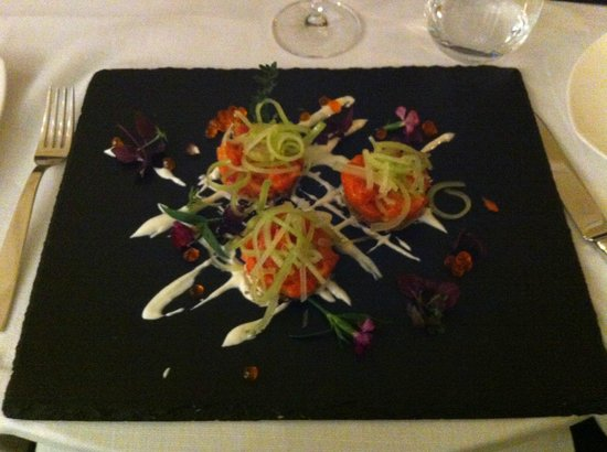 Fortyseven Hotel Rome : An anti-pasto of chilled raw samon with celery and onions