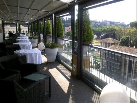 Fortyseven Hotel Rome : Daytime view from the Circus dining room