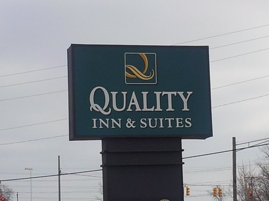 Quality Inn & Suites: Front sign