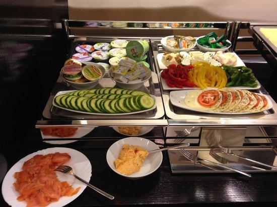 Alma Boutique Hotel: buffet colazione