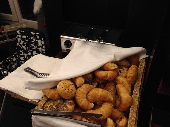 Alma Boutique Hotel: buffet dolce e salato per la colazione