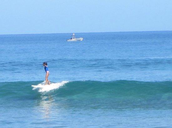 Puntas Surf School: Clara surfing