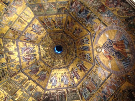 Hotel Bretagna: 礼拝堂の天井