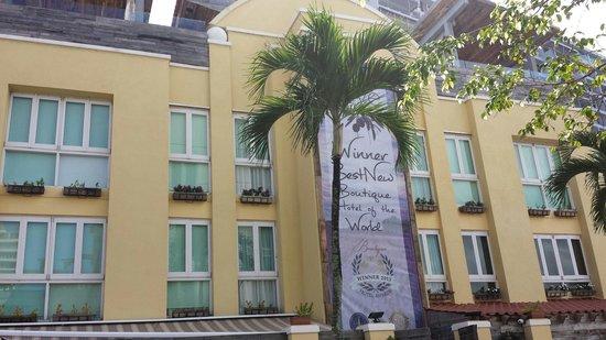 Olive Boutique Hotel: Entrada