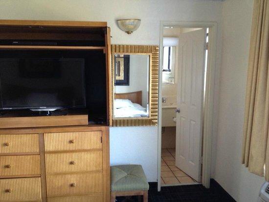 Beachcomber Beach Resort & Hotel: Room 420