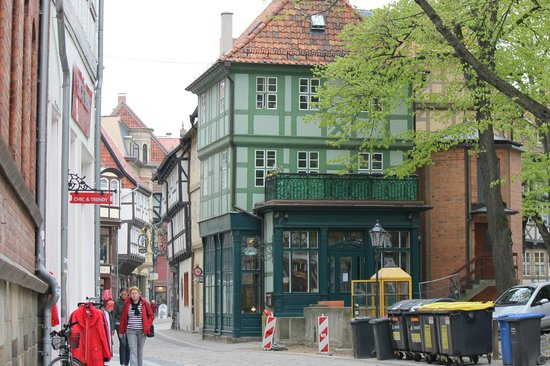 photo0.jpg - Picture of Kaffeehaus Zum Roland, Quedlinburg ...