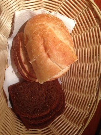 Cafe Mozart & Bar : bread