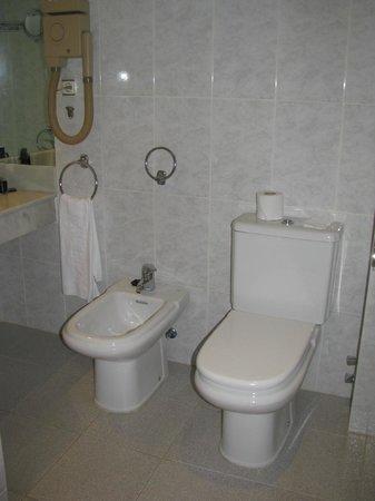 Melia Costa del Sol: Chambre de bain propre et fonctionnelle