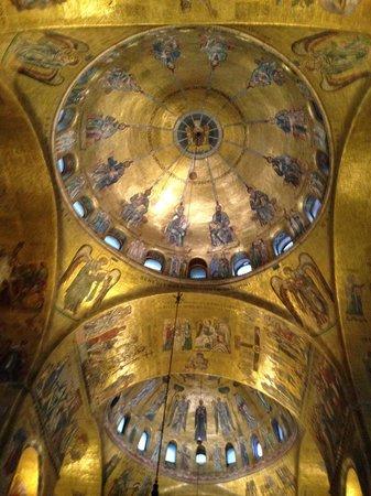 Alberghiera Venezia: サンマルコ大聖堂の天井