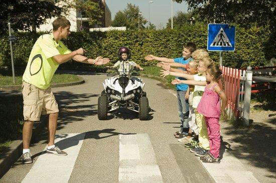 Kiddi-Car: Theorie Unterricht bei einem Kindergeburtstag