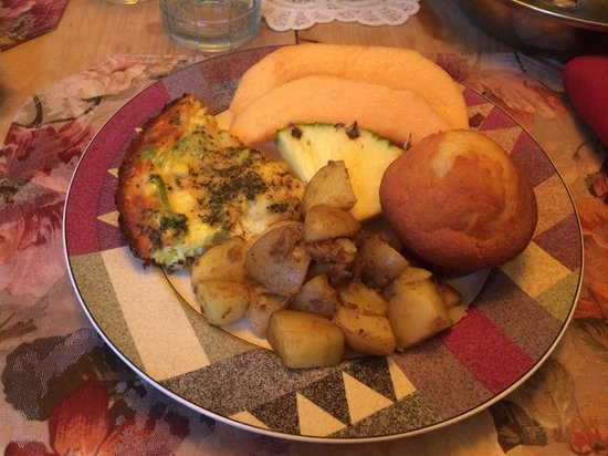 The Widow McCrea House Victorian Bed and Breakfast : Kose Cottage breakfast!