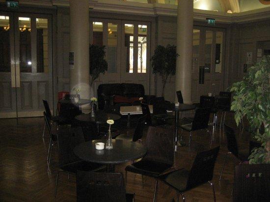 Ulster Hall: Lobby cafe