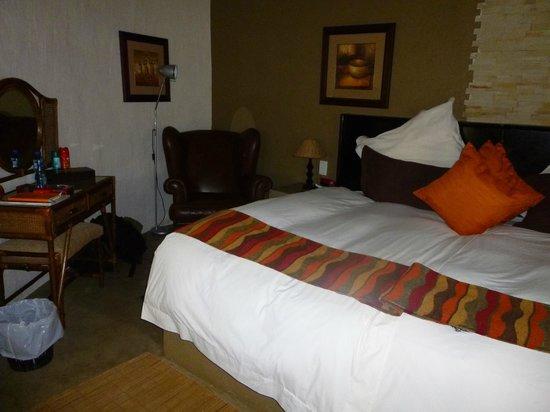 Mziki Safari Lodge: Zimmer